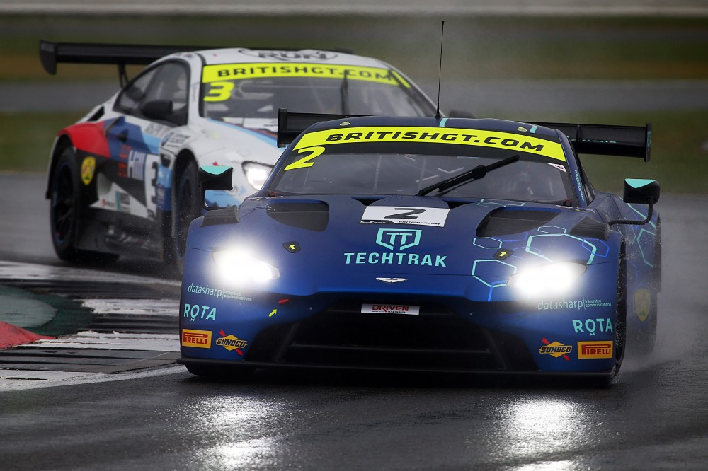FP1: Thiim and Macdonald top wet opening session at Silverstone